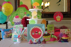 cupcake mega bash box
